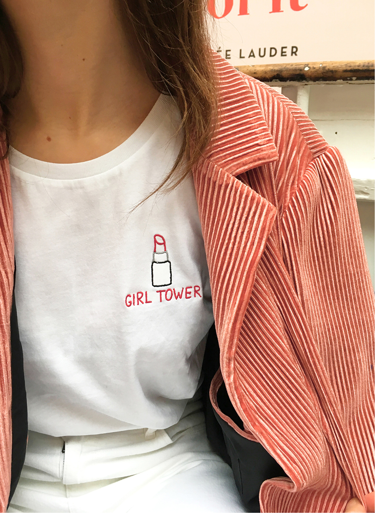 T-shirt Girl Tower
