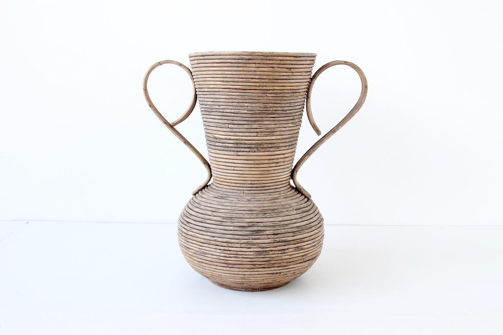 Grand vase en rotin