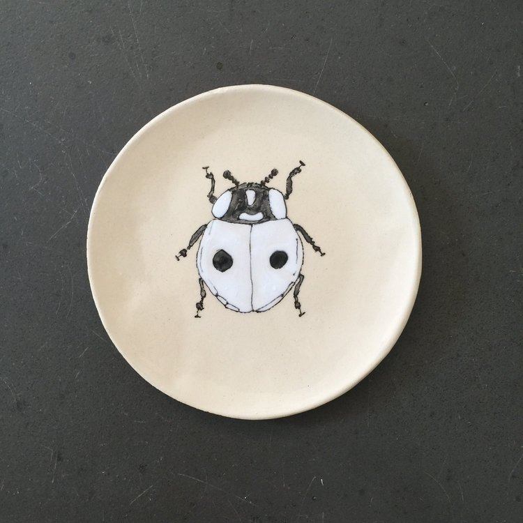 Assiette white lady bug