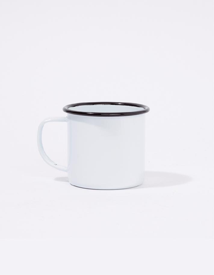 Mug en métal émaillé