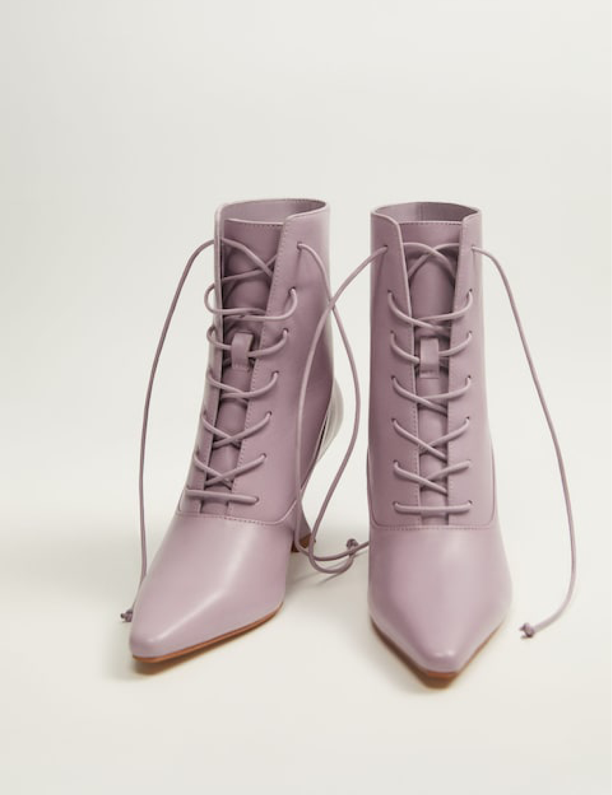 Bottines en cuir lacées