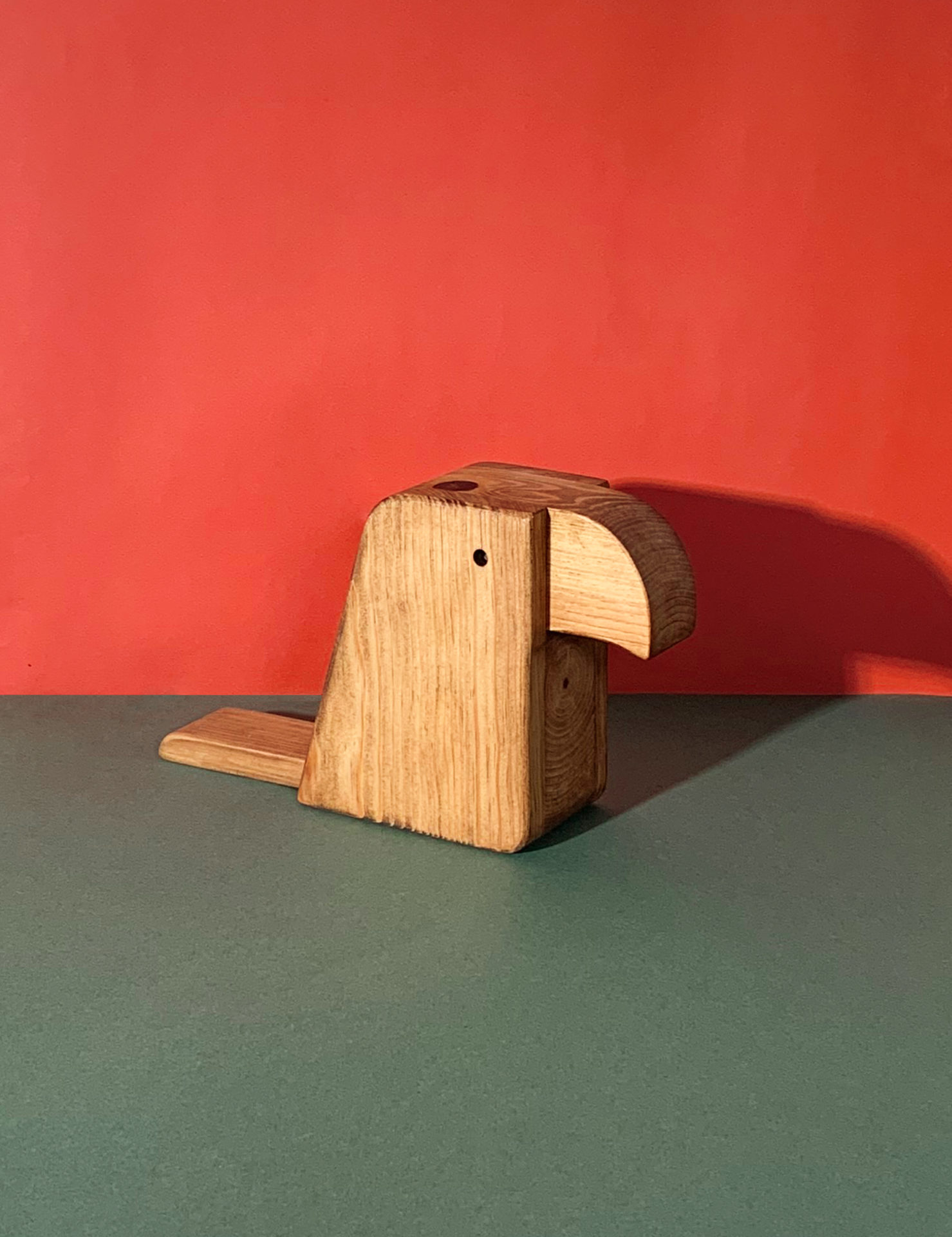 Toucan en bois minimaliste